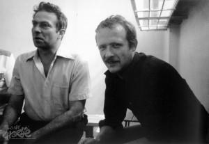 Adam Michnik (po prawej) w więzieniu w 1982 r.