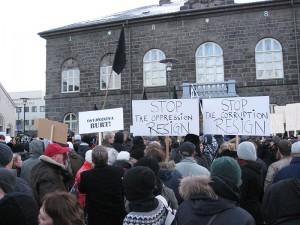 Islandczycy nawołują do ustąpienia rządu